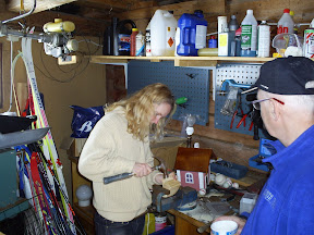 Anita bygger båt, oj vad svårt!