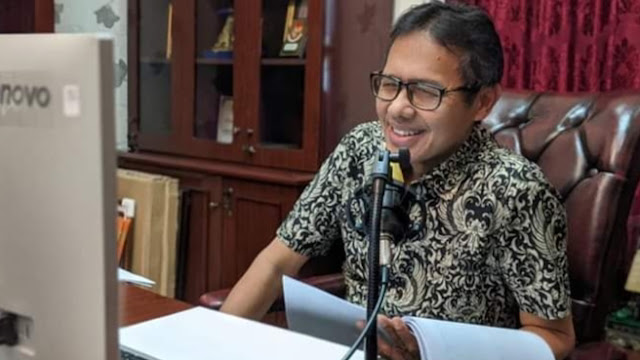 Foto: Gubernur Sumbar, Irwan Prayitno. Alhamdulillah, 11 Orang Warga Sumbar Dinyatakan Sembuh dari Covid-19 Sore Ini.