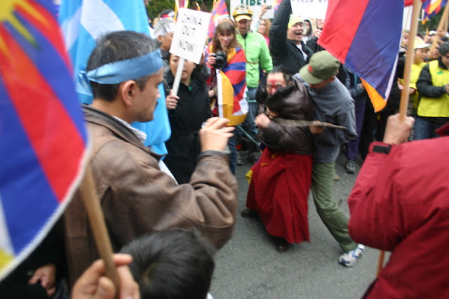 Global Protest in Vancouver BC/photo by Crazy Yak - IMG_0568.JPG