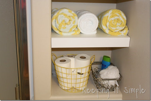 Awesome DIY Shelves For A Small Bathroom