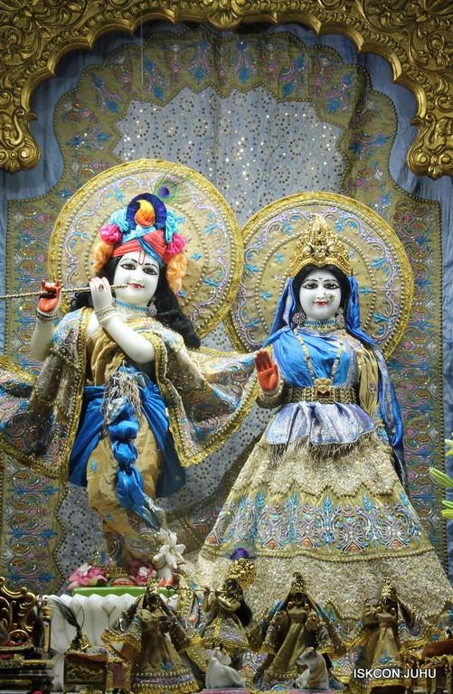 ISKCON Juhu Mangal Deity Darshan on 24 April 2016 (35)