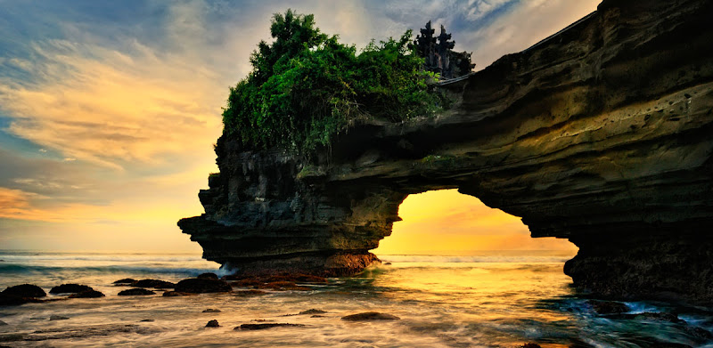 Bali Points of Interest: The Temple of Tanah Lot