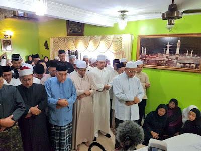 DYTM Raja Muda Selangor, Tengku Amir Shah berangkat menziarahi jenazah bonda Dato' Seri Mohamed Azmin