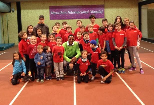 Escuela de atletismo con Sotomayor