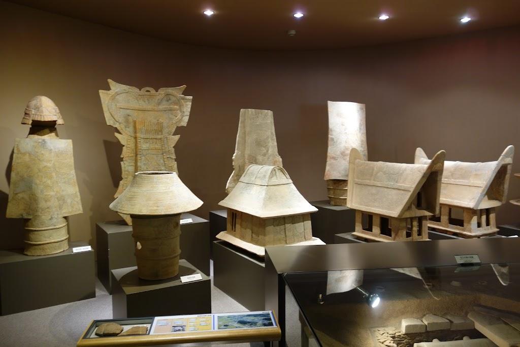 墳丘からの眺め  奈良県立橿原考古学研究所附属博物館 奈良県橿原市畝傍町
