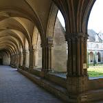 Abbaye de Royaumont : galerie du cloître