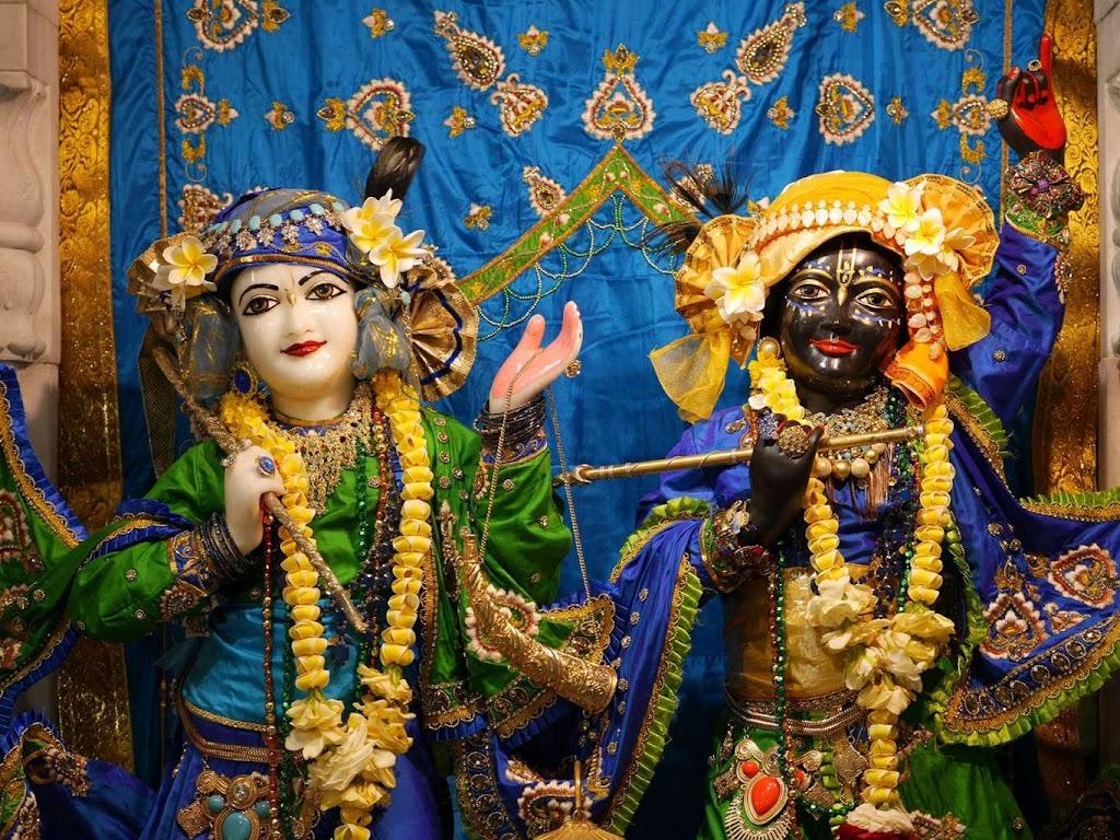 ISKCON New Govardhana Deity Darshan 09 Dec 2015 (6)