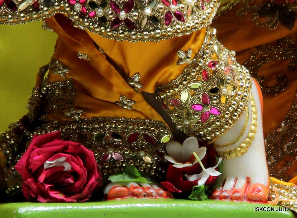 ISKCON Juhu Mangal Deity Darshan on 3rd Oct 2016 (29)