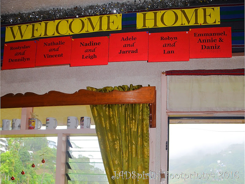 We and the other guests are welcomed by Banaue Homestay through this signage