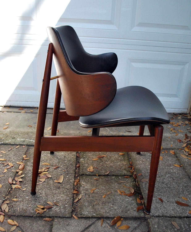 Junk2funk mid century modern kodawood clam shell eames era chair