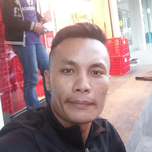 user Jeffrey Balasabas apkdeer profile image