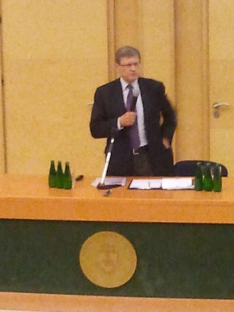 Spotkanie z prof. Leszkiem Balcerowiczem - 2012-06-15%2B09.47.44.jpg