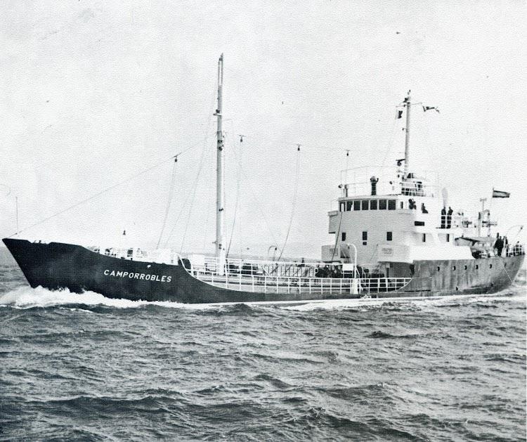 Buque auxiliar CAMPORROBLES, de 487 t.p.m. Foto del libroCINCUENTENARIO DE LA FLOTA DEL MONOPOLIO DE PETROLEOS. 1927-1977.jpg