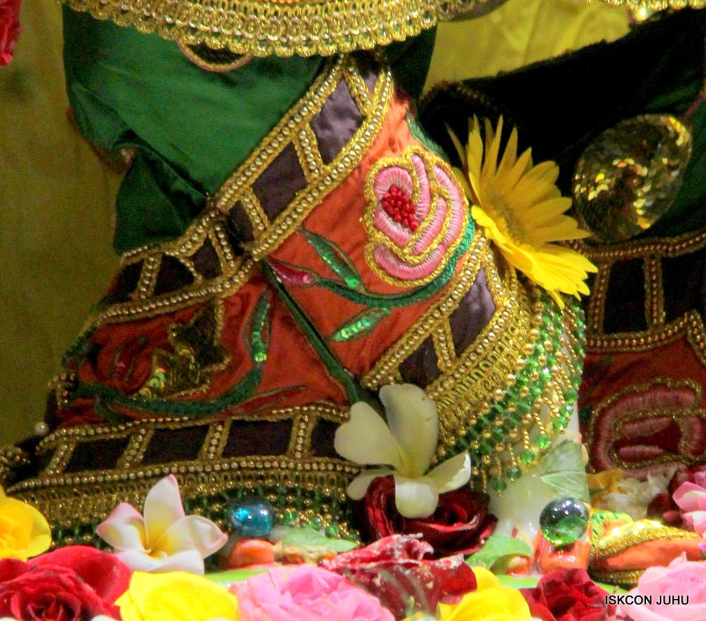 ISKCON Juhu Sringar Deity Darshan on 18th Jan 2017 (16)