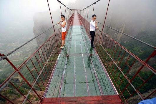 Terrifying Glass-Bottomed Bridge Opens in China | Amusing Planet