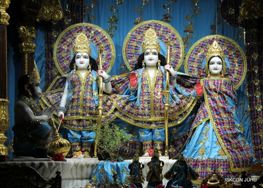 ISKCON Juhu Mangala Deity Darshan 09 April 2016 (38)