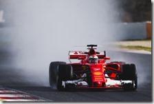 Kimi Raikkonen con la Ferrari nei test di Barcellona 2017