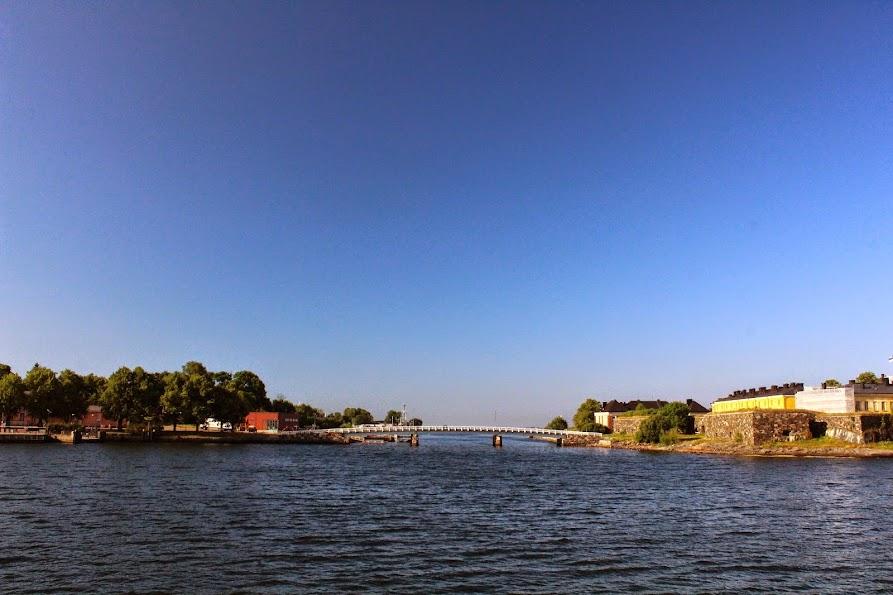suomenlinna fortress island bridge
