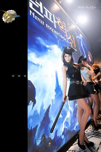 Nữ cảnh sát gợi cảm tại Dungeon & Fighter Festival 10
