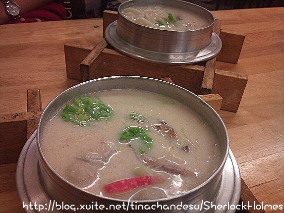 南華中日料理店。新興市場內 好吃豆漿鍋燒~