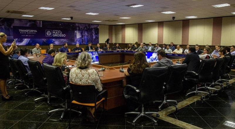 Governo e representantes de associações comerciais de Rosário e região discutem demandas