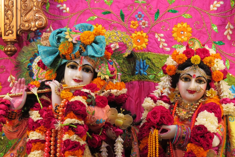 ISKCON Vallabh vidhyanagar Deity Darshan 16 jan 2017 (1)