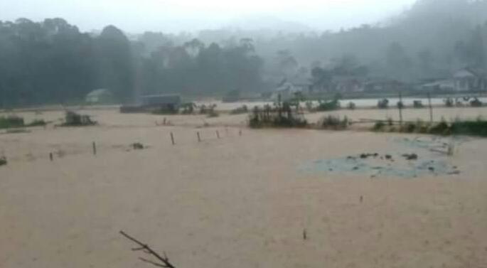 Breaking News! Kecamatan Bayah dan Cibeber Kabupaten Lebak Banten Diterjang Banjir Bandang