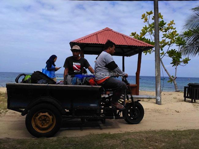motor angkut beg di pulau tioman