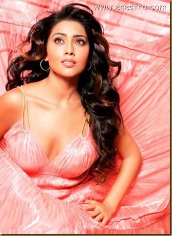 Shriya (37)