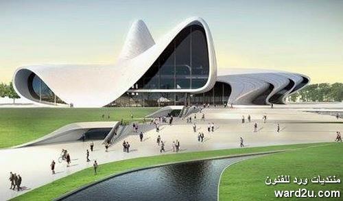 المعمارية العراقية العالمية زها حديد