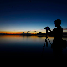 Twilight by Jeremy Mendoza - Landscapes Sunsets & Sunrises ( afterglow, nature, landscape, twilght, friend, photographers, taking a photo, photographing, photographers taking a photo, snapping a shot,  )