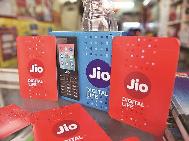 Jio का न्यू ईयर गिफ्ट, 1 जनवरी से फ्री हो जाएगी किसी भी नंबर पर लोकल वॉइस कॉल