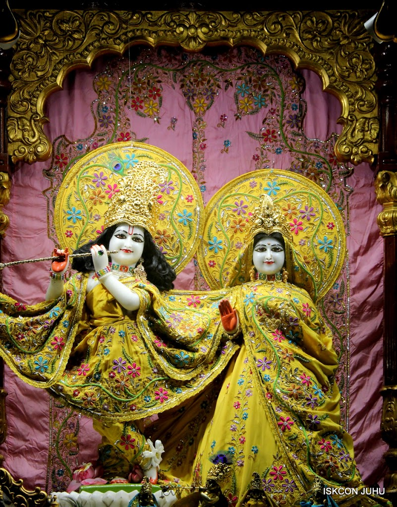 ISKCON Juhu Mangal Deity Darshan on 27 April 2016 (19)