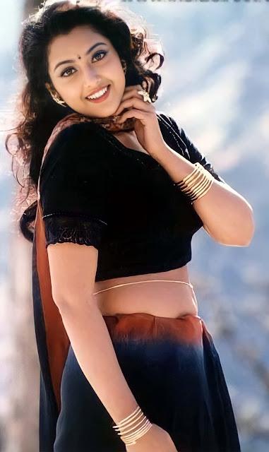 Actress Meena Navel