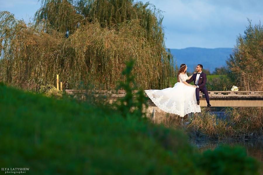Wedding photographer Ilya Latyshev (iLatyshew). Photo of 21.04.2017