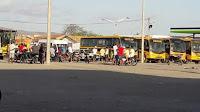 Resultado de imagem para prefeitura de adustina mostrar frota de veículos na praça pública imagens