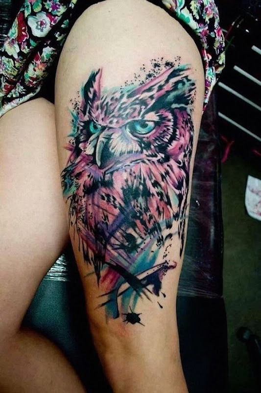 a_gua_do_efeito_da_cor_da_tatuagem_de_coruja