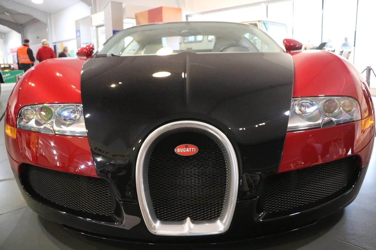 Jaguar_National_Rally_2018-04-14_0006 - Bugatti-Veyron.JPG