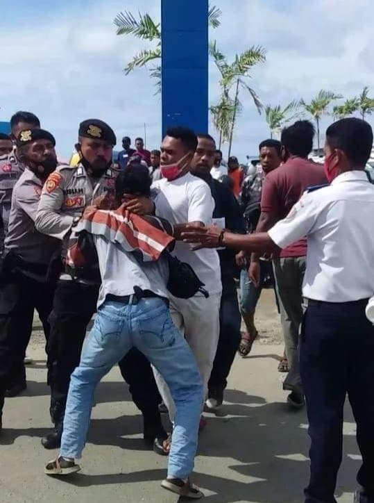 Sorong: Kronologis Penangkapan dan Pembubaran Paksa Oleh TNI-POLRI Aksi Tolak Otsus Jilid II