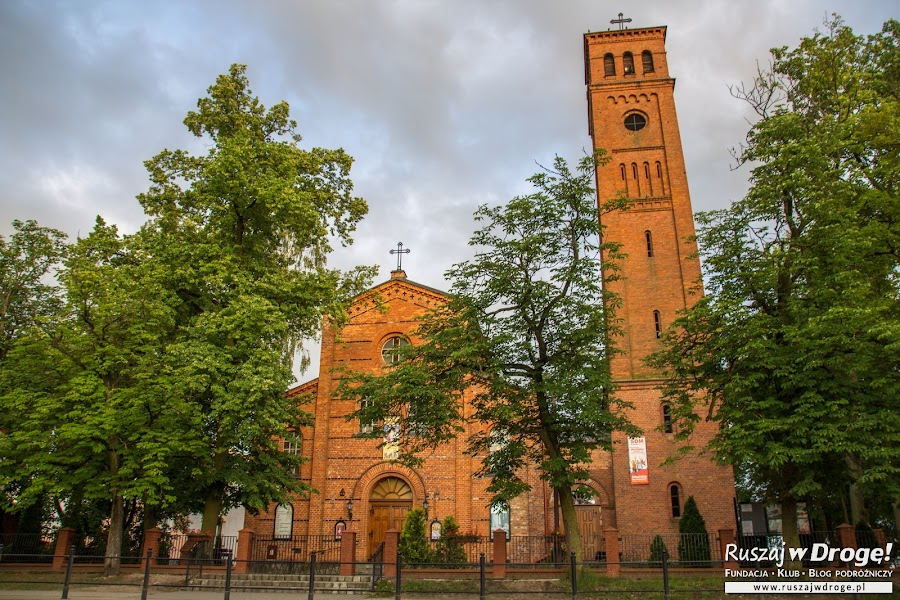 Czerwona Warmia - kościół w Biskupcu