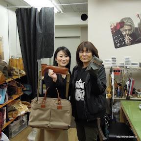 京都より来店されました。バッグの修理とウェストバッグをプレゼント用に。
