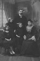 Monden, Christianus en Broekhoven, Petronella Dochters (2).jpg