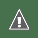 Na schodech vedoucich k chramu Phra That