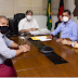 Prefeita Lili Oliveira celebra melhorias em escolas de Marcação anunciadas pelo governador