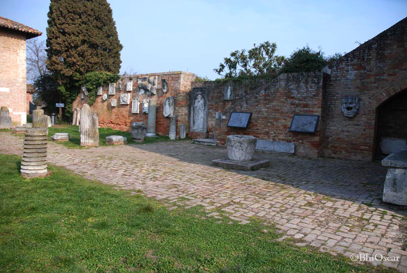 Piazza Torcello 16 03 2011 N13