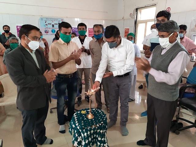 રાજુલાની સરકારી હોસ્પિટલ ખાતેથી કોવિડ-૧૯ રસીકરણનો શુભારંભ કરાયો