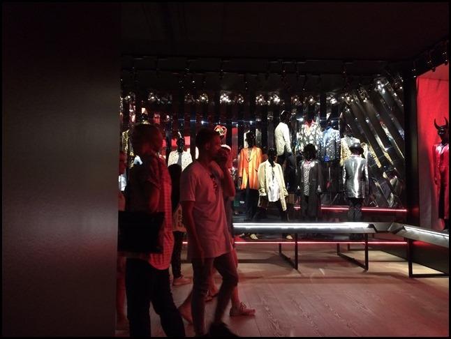 Style & Costumes Exhibitionism