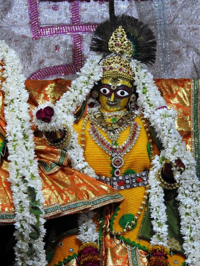 Radha Govind Devji Deity Darshan 08 Jan 2017 (10)