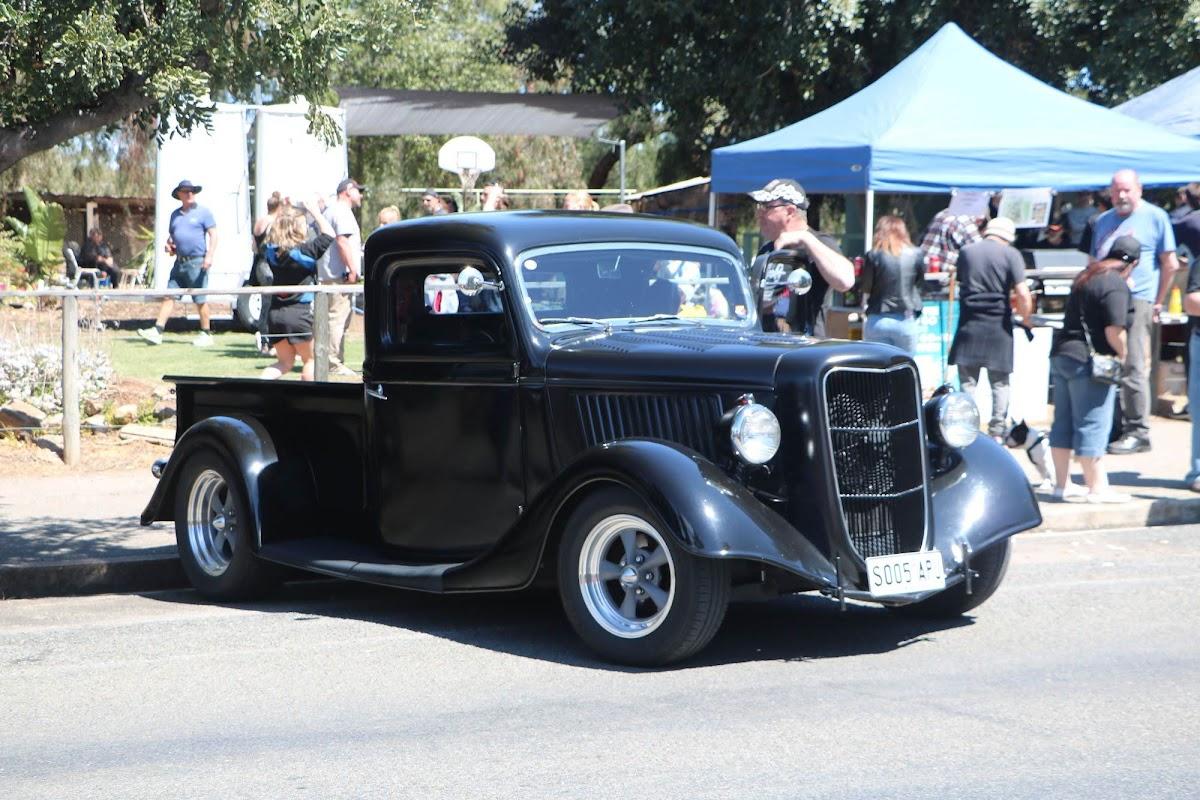 Chev Pickup Hot Rod.jpg