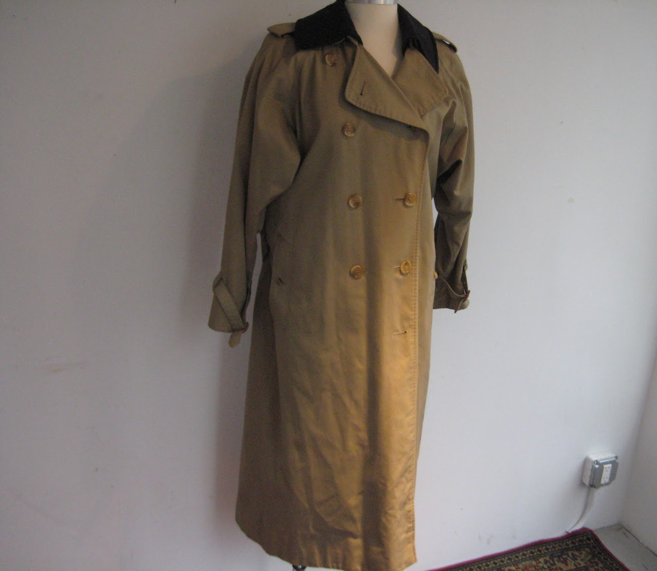Burberry Classic Lined Rain Coat